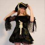 Пиратка с вышивкой