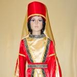 Кавказский для девочки красный