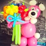 Медведь с букетом. Цена 600 рублей